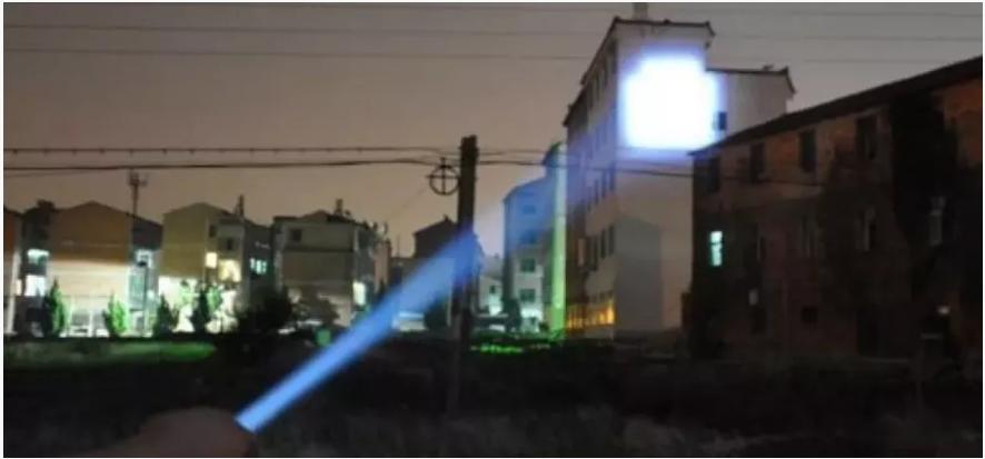 lightstrike 360 tactical LED flashlight